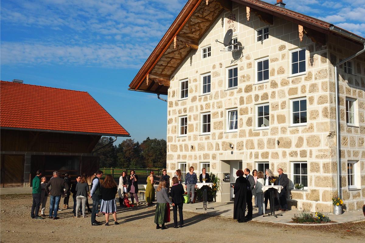 Eine Insel Im Grünen: Mädchenwohngruppe In Schlehberg