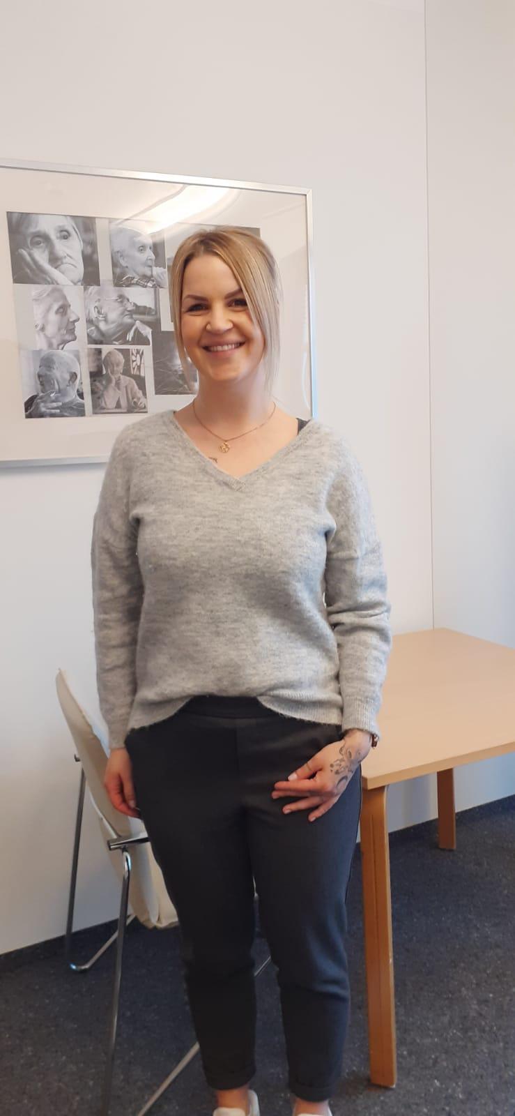 Praktikantin Raffaela Schnappinger
