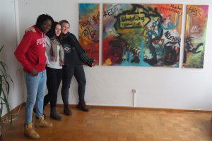 von links: Seidou T., Senta Strähhuber, Sarah Krüger. Nicht im Bild: Adamou T.