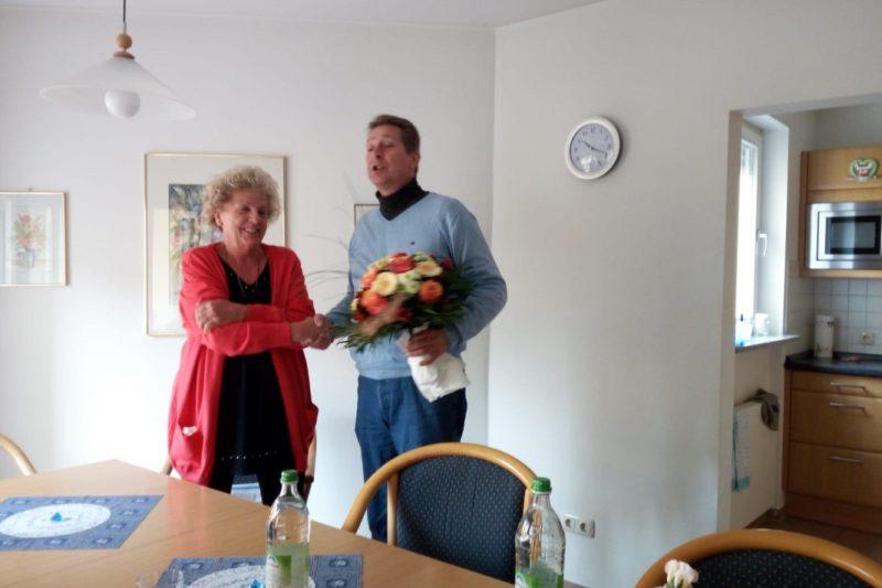 Kurt Schmoll Bedankt Sich Für Das Außerordentliche Engagement Bei Ingrid Kasa.