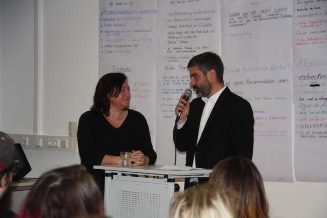 """Kampagne """"100 Million"""" – Bundestagsabgeordnete Dr. Bärbel Kofler In Diskussion Mit Studierenden Der Fachakademie Für Sozialpädagogik Traunstein"""
