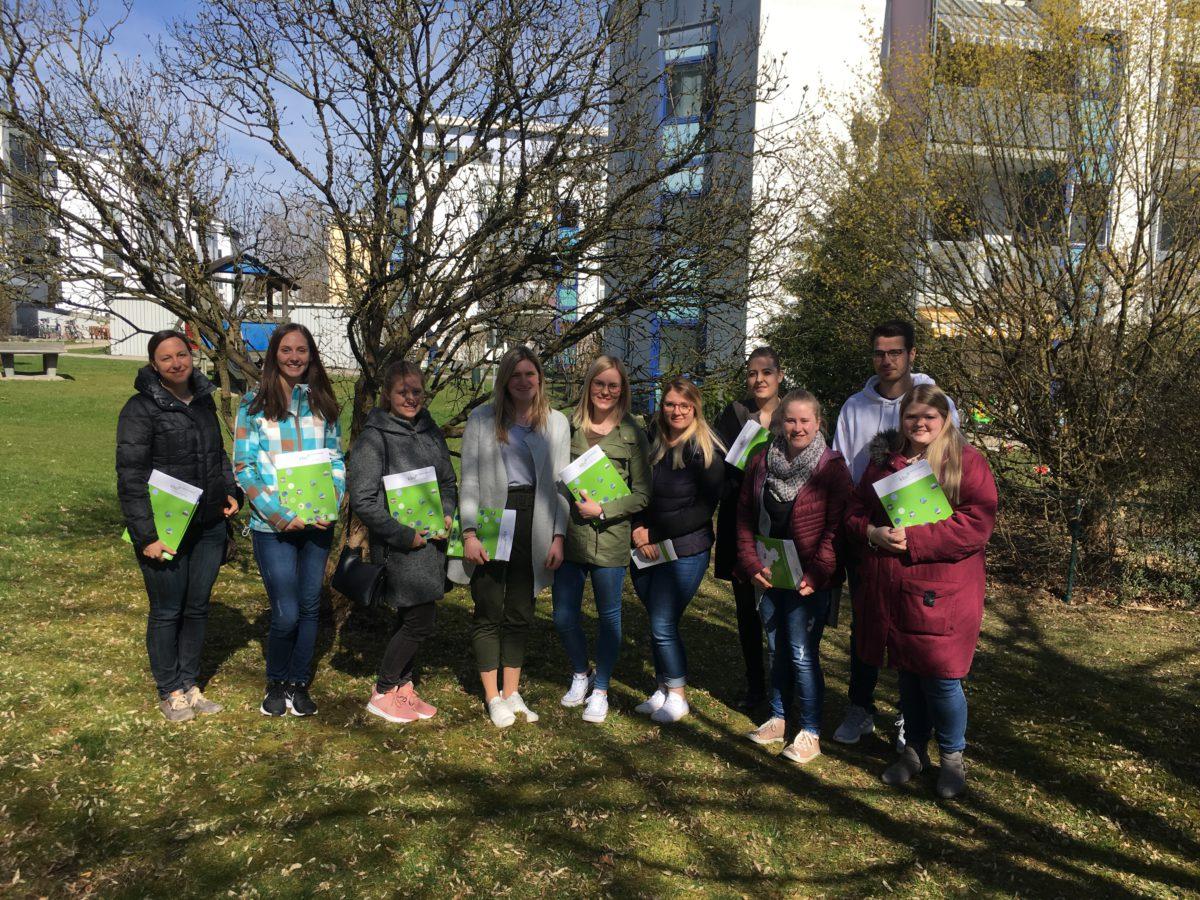 Studierende Der Fachakademie Informieren Sich In Der Heckscher Klinik Waldkraiburg