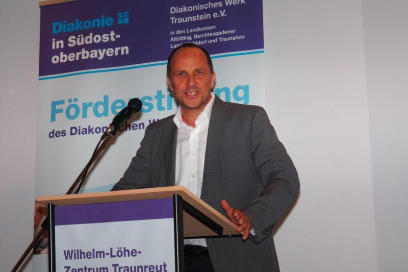 """Den Dietrich- Bonhoeffer-Preis Erhalten """"Junge Menschen, Die Sich Für Andere Stark Machen"""", Sagt Diakonie-Vorstand Andreas Karau"""
