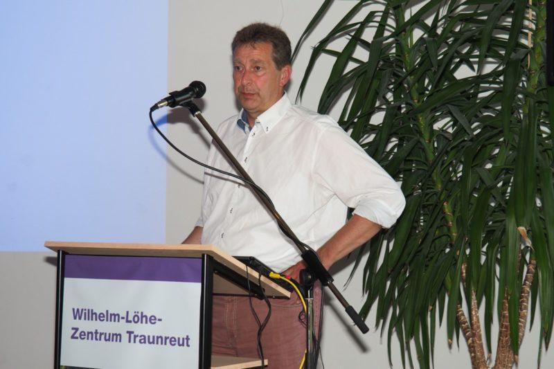 Kurt Schmoll, Fachbereichsleiter Der Seniorenhilfe, Berichtet über Eine Prekäre Situation Der Altenpflege.