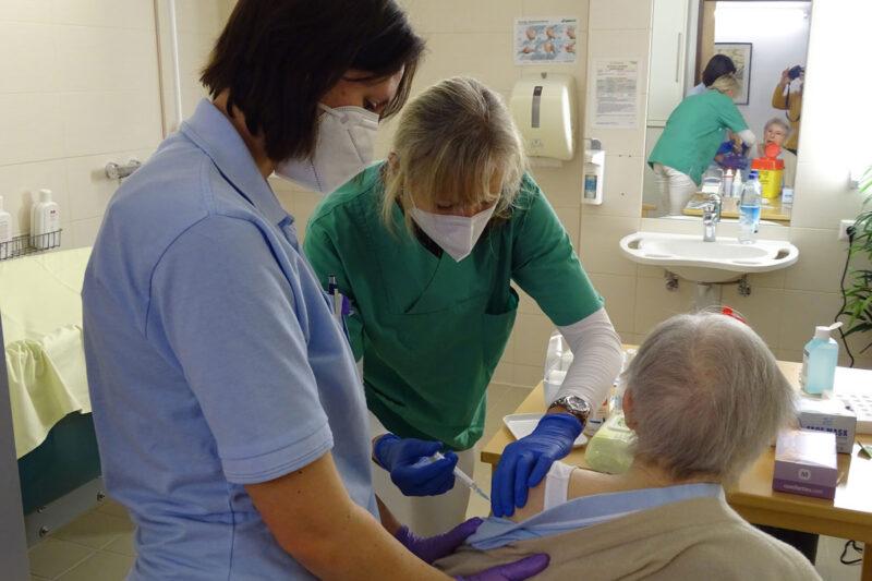 Impfstart Im Seniorenzentrum Wartberghöhe
