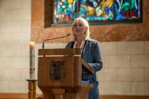 Ein starkes Plädoyer für mehr Partizipation: Sozialministerin Carolina Trautner bei ihrer Kanzelrede. Foto: Diakonie Schulz-Sembten